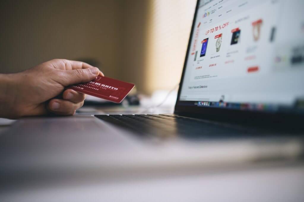 Hati-hati Belanja Online Pakai Kartu Kredit, Banyak Hacker dan Penipuan